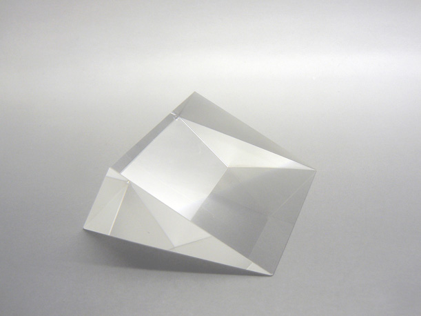 glass prism for photonics